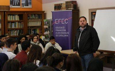 Oriol Junqueras voluntario del Programa de Educación Financiera en las Escuelas (EFEC)